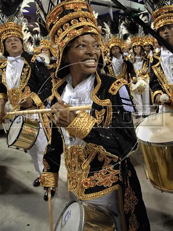 Brazilian singer Mart'nalia from Vila Isabel samba school participates as drummer at the samba school parade in the Sambadrome, Rio de Janeiro, Brazil, February 22, 2009 (Austral Foto/Renzo Gostoli)