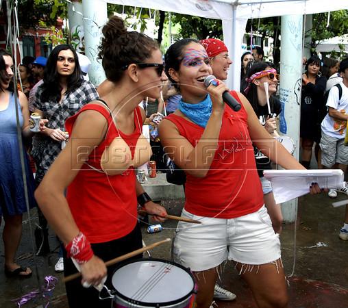 """Women participate at carnival festivities of group Toco-xona, Rio de Janeiro, Brazil, March 5, 2011. The """"bloco"""" (carnival group) Toco-xona participate at government campaign """"Rio: prejudice free carnival"""". (Austral Foto/Renzo Gostoli)"""