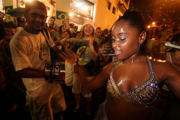 "Revelers enjoy a ""Bloco"" neighborhood carnival street parade in Rio de Janeiro, Brazil, January 27, 2008. The Blocos are regaining popularity as the official carnival parades, where samba schools compete for the best parade, increases in price. (AustralFoto/Douglas Engle)"