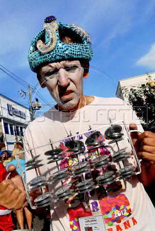 "A patient from mental health hospital Nise da Silveira participates at carnival festivities of ""Loucura Suburbana"" carnival group, Rio de Janeiro, Brazil, February 16, 2012. (Austral Foto/Renzo Gostoli)"
