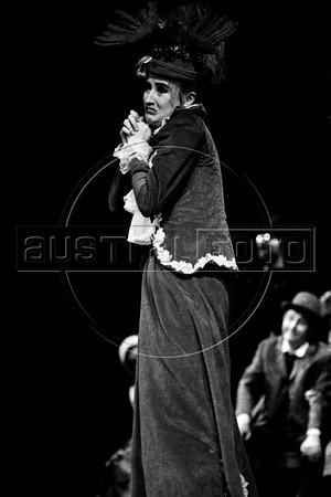 """Margarita Sanz en """"La Opera de 3 centavos"""" de Bertolt Brecht, teatro Fru-Fru, Mexico DF, Mexico, Noviembre 1977. (Austral Foto/Renzo Gostoli)"""