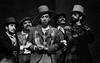 """Escena de """"La Opera de 3 centavos"""" de Bertolt Brecht, teatro Fru-Fru, Mexico DF, Mexico, Noviembre 1977. En el centro Tito Vasconcelos. (Austral Foto/Renzo Gostoli)"""