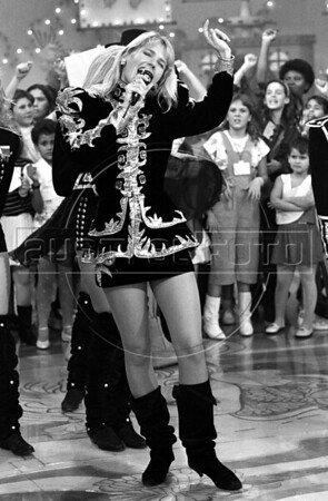 "Brazilian television actress and singer Maria da Graça ""Xuxa"" Meneghel performs during her TV show at Fenix theatre, Rio de Janeiro, Brazil, July 5, 1990. (Austral Foto/Renzo Gostoli)"
