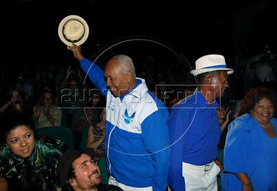 Festa de entrega dos Premio Cinema da ACIE 2009, Rio de Janeiro, Brazil, Maio 18, 2009. Joao Miguel e Velha Guarda da Portela. (Austral Foto/Renzo Gostoli)