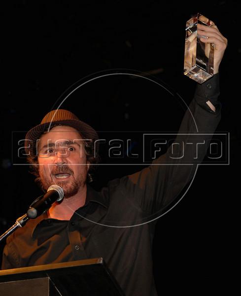 "Festa de entrega dos Premio Cinema da ACIE 2009, Rio de Janeiro, Brazil, Maio 18, 2009. Joao Miguel, ""Estomago"". (Austral Foto/Renzo Gostoli)"