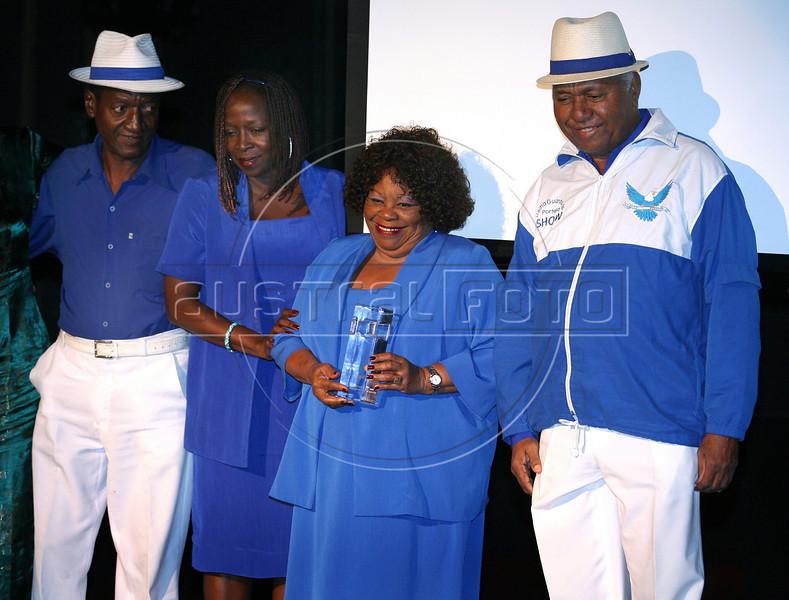 Festa de entrega dos Premio Cinema da ACIE 2009, Rio de Janeiro, Brazil, Maio 18, 2008. Velha Guarda da Portela.  (Austral Foto/Andre Luiz Melo)