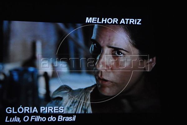 """Premio ACIE de Cinema 2011- Imagem da atriz Gloria Pires no filme """"Lula, o filho do Brasil""""; Gloria Pires ganhou o premio da melhor atriz, Rio de Janeiro, Brazil, May 30, 2011. (Austral Foto/Renzo Gostoli)"""