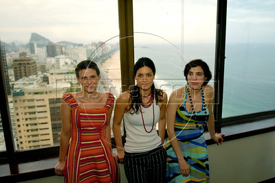 "Argentinian actresses Ana Celentano, left, Nora Anghileri, center, and Analia Couceyro, right, pose during the  photocall to present their film"" O Passado"" (The Past), which chronicles a married couple's difficult breakup in Rio de Janeiro, Brazil, Oct. 22, 2007.  (Austral Foto/Renzo Gostoli)"