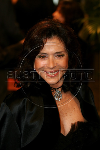 Brazilian actress Beth Faria arrives at the inauguration of the Rio Film Festival in Rio de Janeiro, Brazil, Sept. 22. 2005. More than 436 films from over 60 countries are part of the festival. (AustralFoto/Douglas Engle)