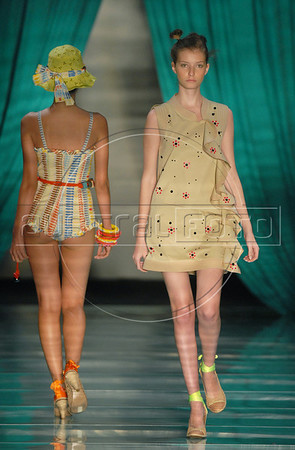Models show designs of Cavendish's 2010-2011 spring/summer collection during the Fashion Rio Show, Rio de Janeiro, Brazil, May 30, 2010.  (Austral Foto/Renzo Gostoli)