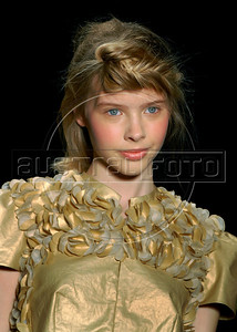 A model shows a design of Maria Bonita Extra's 2010-2011 spring/summer collection during the Fashion Rio Show, Rio de Janeiro, Brazil, May 29, 2010.  (Austral Foto/Renzo Gostoli)