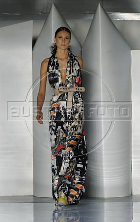 A model wear a creation by Filhas de Gaia during the Fashion Rio Spring-Summer 2012 collection, Rio de Janeiro, Brazil, June 2, 2011. (Austral Foto/Renzo Gostoli)