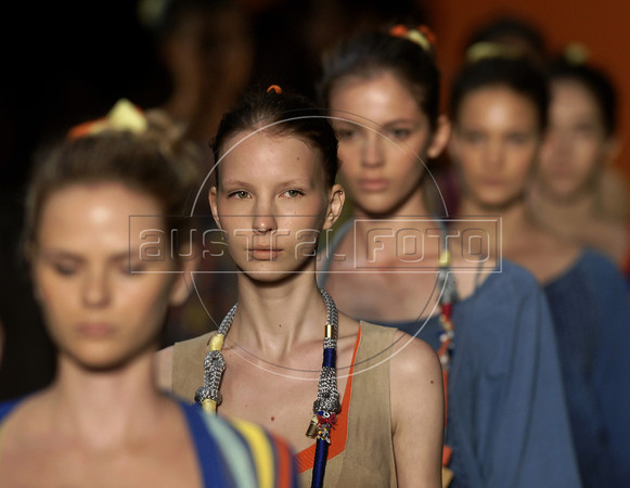 Models wear creations by Cantao during the Fashion Rio Spring-Summer 2012 collection, Rio de Janeiro, Brazil, June 4, 2011. (Austral Foto/Renzo Gostoli)