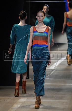 Models show designs of Printing's 2011 autumn/winter collection during the Fashion Rio Show, Rio de Janeiro, Brazil, January 13, 2011.  (Austral Foto/Renzo Gostoli)