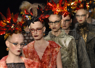 Models show designs of Alessa's 2011 autumn/winter collection during the Fashion Rio Show, Rio de Janeiro, Brazil, January 11, 2011.  (Austral Foto/Renzo Gostoli)