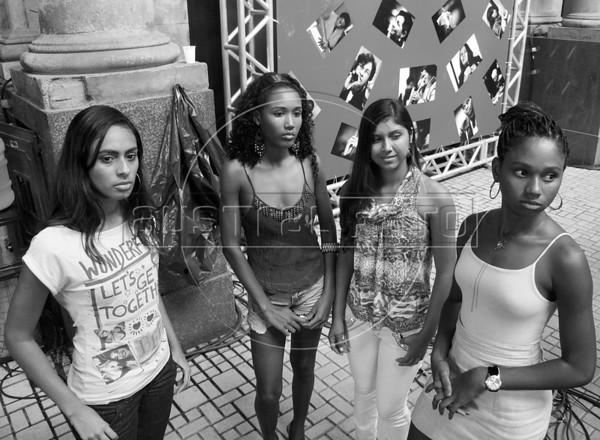 Amendoeiras, ensaio para desfile do Dia da mulher, Rio de Janeiro, Brasil, marco 7, 2010. NO ARCHIVE. (AustralFoto/Renzo Gostoli)