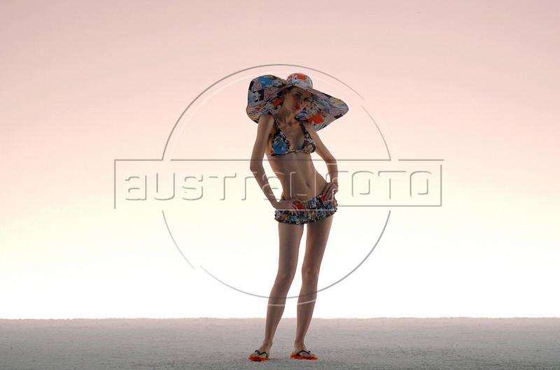 A model shows a design of Salinas's 2007 spring/summer collection during the Fashion Rio Show, Rio de Janeiro, Brazil, June 4, 2007.  (AUSTRAL FOTO/RENZO GOSTOLI)