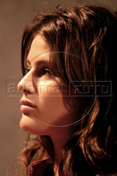 Brazilian model Isabeli Fontana in Rio de Janeiro, Brazil, November 18, 2004. Hickman attended the launching of the Pirelli tire 2005 calendar, which features several Brazilian models.  (Douglas Engle/Australfoto)
