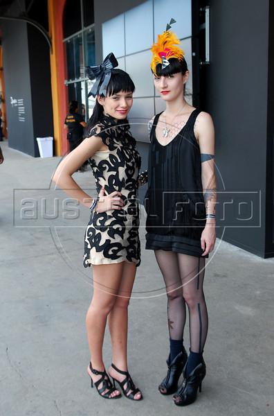 Street-Catwalk -   Melissa et Maria Eugenia au Fashion Rio, Rio de Janeiro, Bresil, Janvier 8, 2010.  (AustralFoto/Renzo Gostoli)