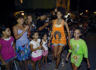 I ENCONTRO DA CULTURA VISUAL NA COMUNIDADE - Víla Valqueire, Rio de Janeiro, Brazil, April 16, 2011. (Austral Foto/Renzo Gostoli)