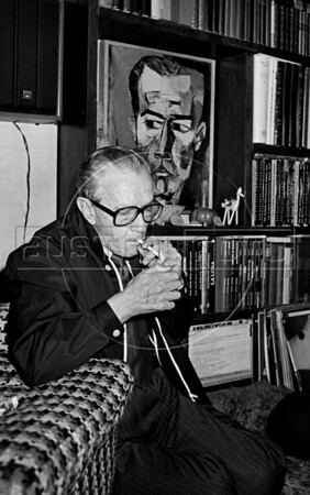 "Mexican writer Juan Rulfo, author of ""El llano en llamas"" and ""Pedro Paramo"", at home during a interview, Mexico DF. Mexico, june 17, 1983. (Austral Foto/Renzo Gostoli)"