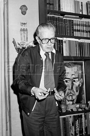 "Mexican writer Juan Rulfo, author of ""El llano en llamas"" and ""Pedro Paramo"", at home during a interview, Mexico DF. Mexico, june 17, 1983. (Austral Foto/Renzo Gostoli)"