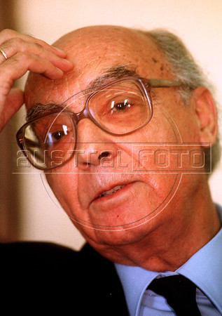 Portuguese writer and recipient of the 1998 nobel prize for literature Jose Saramago ponders a question from journalists in Niteroi, about 15 miles from Rio de Janeiro, Brazl in 1999. (Douglas Engle/Australfoto)