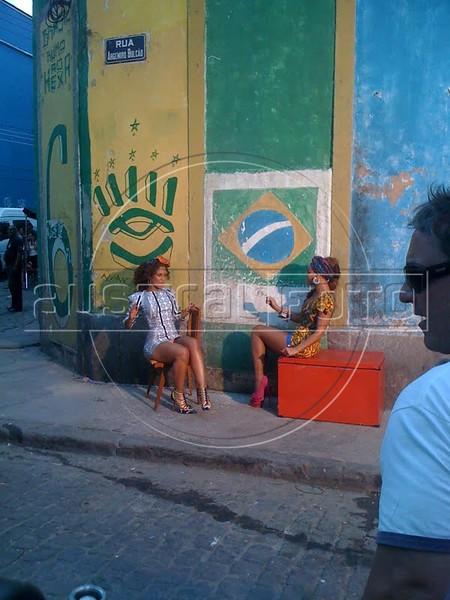 Alicia Keys performs during the shooting of a video clip in Rio de Janeiro, Brazil. (Australfoto)