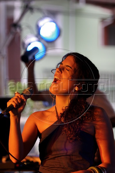 """Maria do CeŽu Whitaker Pocas, known as """"Ceu"""" performs at a street fair in Sao Paulo, Brazil, Oct. 7 , 2007. Ceu was a 2006 Latin Grammy nomination for """"best new artist""""  and has become a success in Europe, Canada and the USA. In Brazil she is relatively unknown. (Australfoto/Douglas Engle)"""