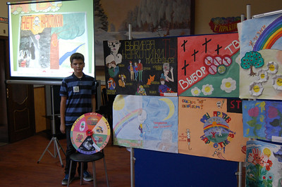 2012-09-12, Ilia wins a prize for antidrugs art contest