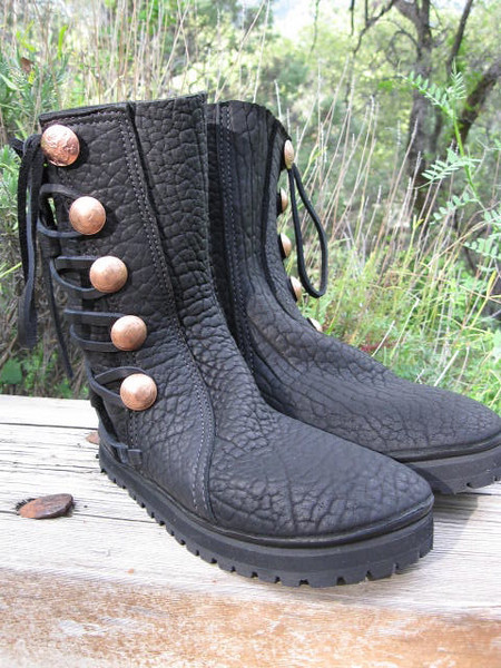 Black buffalo boots, straight button trim in black buffalo, natural top edge, copper Quicksilver Mint buttons, thick cushi midsole, Kletterlift Vibram soling.
