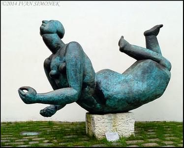 """""""HELP,I`VE FALLEN..."""",Prague,Czech Republic."""