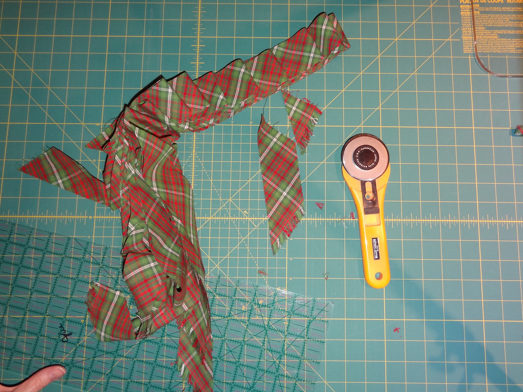 I prefer to sew these shortest strips between the longest strips.
