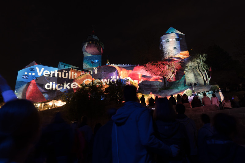 Blaue Nacht 2017, Barbara Engelhard illuminiert die Kaiserburg