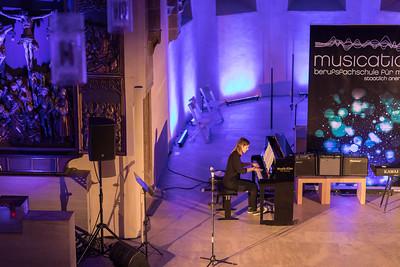 Blaue Nacht 2017, Offene Kirche St. Klara: EINE MUSIKALISCHE  ODYSSEE DURCH  DIE JAHRHUNDERTE, mit Studierenden und Dozenten der Berufs- fachschule für Musik MUSICATION