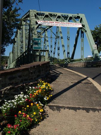 Upper Black Eddy side of bridge