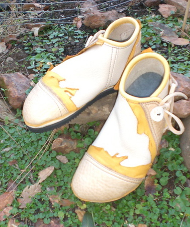 High One Button Moccasin, Creme Bullhide, Sand Natural Edge Button Trim and Toe Cap, Gold Deerskin Natural Edge Underlay, Gold Top Welt, White Antler Sidecut Buttons