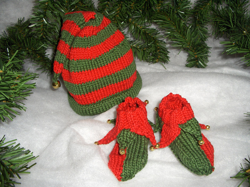 Elf baby booties + hat I knit.
