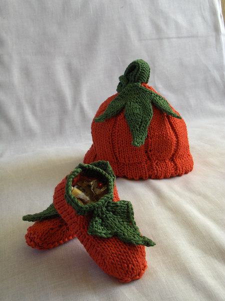 Pumpkin booties + hat.