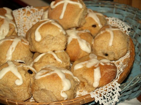 Mom's hot cross buns, Easter 2008