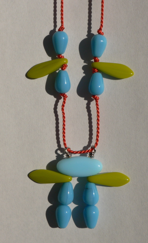 Jewelry: buttons & beads