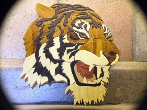TIGER MADE WITH ESSENCE OF WOOD RENMANTS