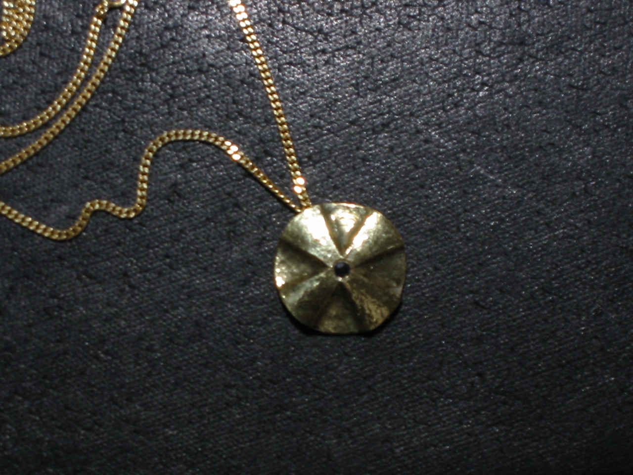 Forged gold cross 858/14K with saphire