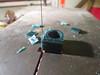 På ett tidspunkt vurderte jeg å støpe ringen - her arbeider jeg med en voksmodell, som senere ble forkastet.