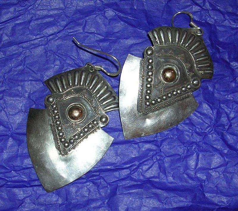 Silver jewelry by Jorge Wilmot 2/05