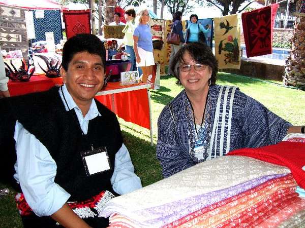 Sna Jolobil cooperative from Chiapas with Marta Turok at the 2009 Feria Maestros in Chapala