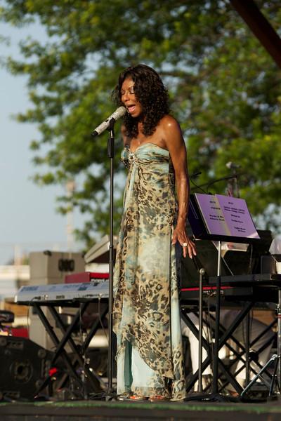 Natalie Cole in Okmulgee,Ok