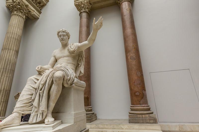 Statue Kaiser Trajans, Pergamonmuseum Berlin