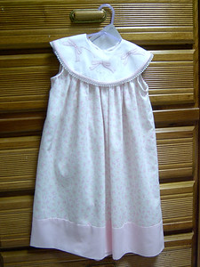 sleeveless yoke dress with white pique collar shadow embroidered with pink bows