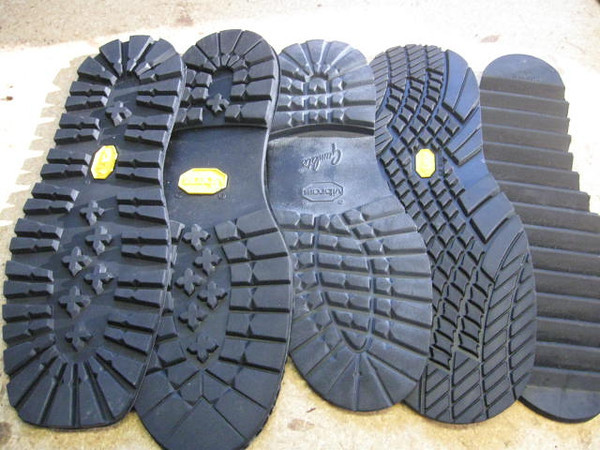 See previous photo of plate soles for descriptions.  This is shown so that you can see the height of the heels.